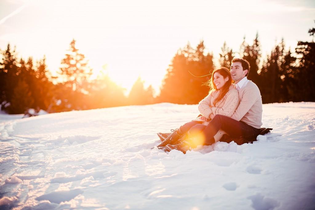 Seance photo couple montagne neige